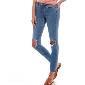 NWT $78 Free People High Rise Busted Skinny Jean